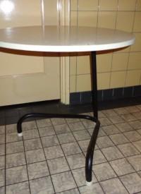 Buisframe tafeltje